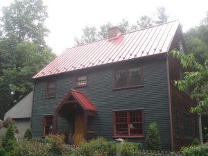 Hiring Metal Roofing Contractors in Baltimore
